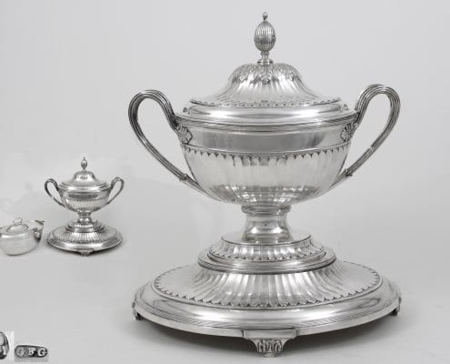 Silver tureen, stand, liner